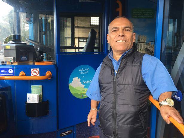 کوتاه قدترین راننده اتوبوس در انگلیس+تصاویر