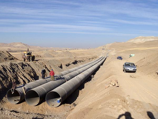 ما نمی گذاریم ارومیه دیگری در شمال کشور شکل بگیرد / آغاز پروژه شیرین سازی و انتقال آب از خلیج فارس به بخش مرکزی کشور