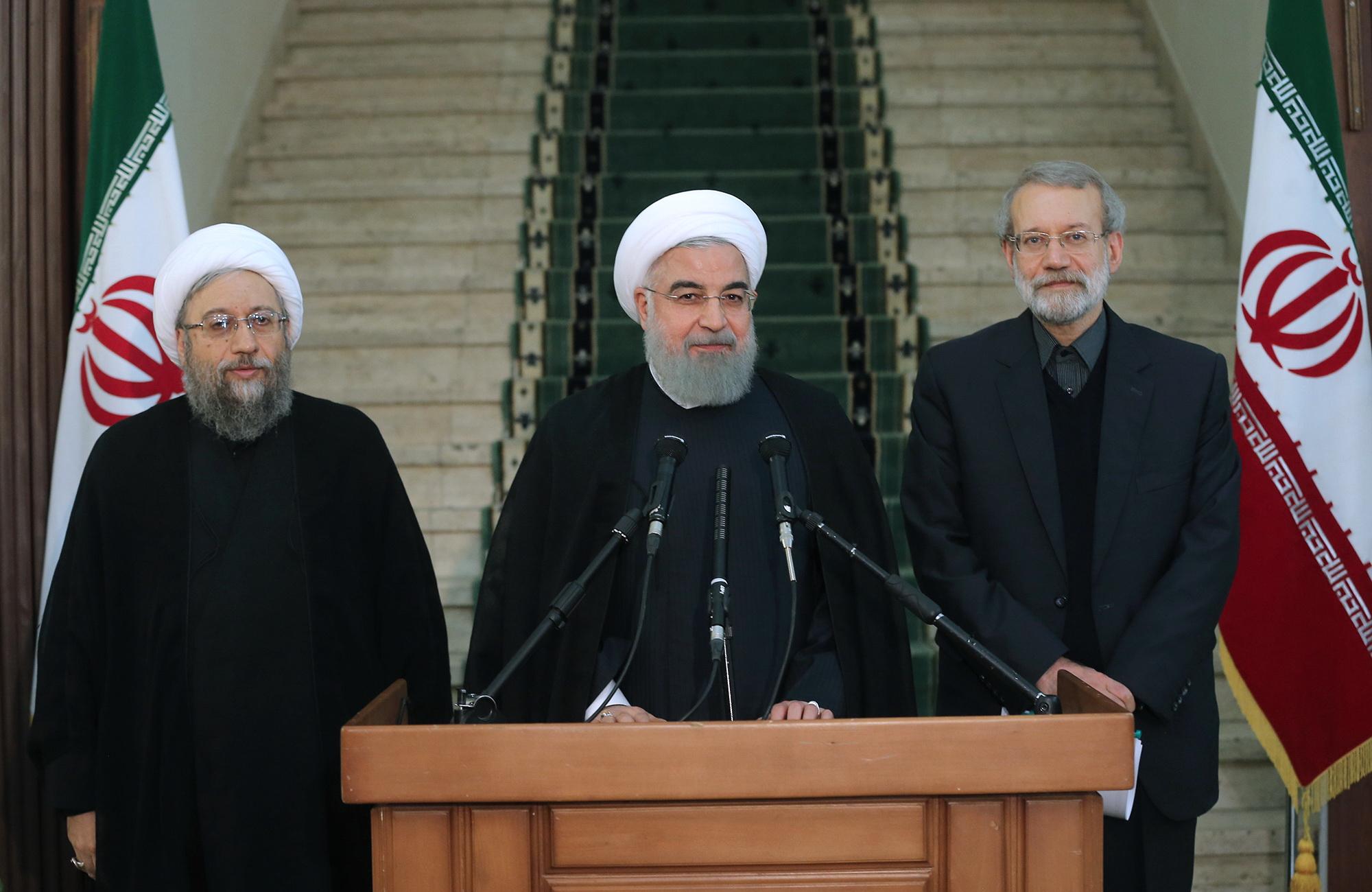 قدرتهای بزرگ به دنبال ناامید کردن ملت ایران برای سرمایهگذاریهای اقتصادی هستند/ حمایتها از عراق و سوریه باعث حل مسئله تروریسم شد