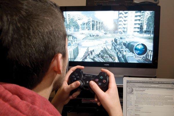 بازی های رایانه ای یکی از ابزار های قدر تمند غرب