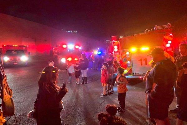 زخمی شدن ۲۳ نوجوان بر اثر فرو ریختن ورزشگاه در کالیفرنیای آمریکا