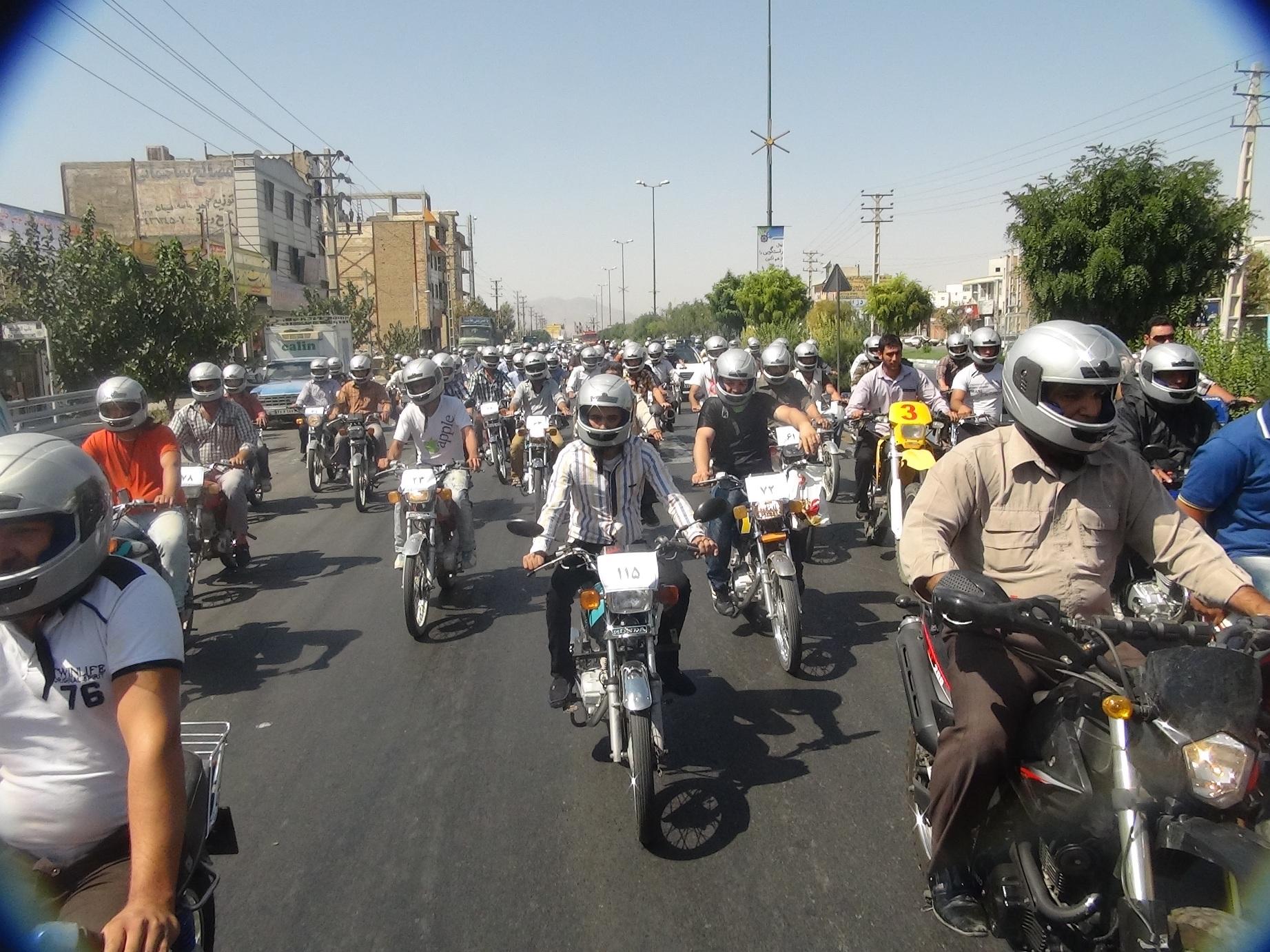 جریمه 200 هزار تومانی در انتظار موتورسیکلت های 400 هزار تومانی/ آب در هاون کوبیدن؟!