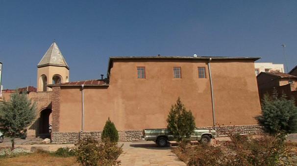 پایان مرحله نخست بازسازی کلیسای تاریخی سنت هوانس مراغه