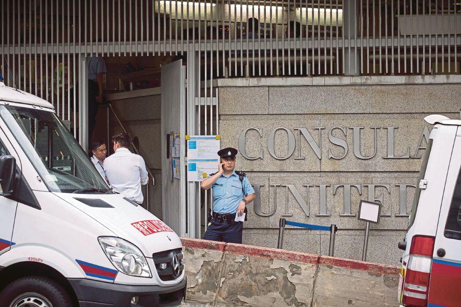 توقف فعالیت کنسولگری آمریکا در هنگکنگ در پی کشف بستهای مشکوک