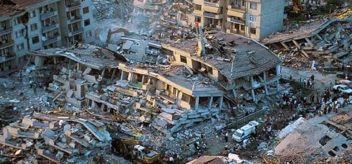 فیلمی ازساختمان های چند طبقه تخریب شده بر اثر زلزله
