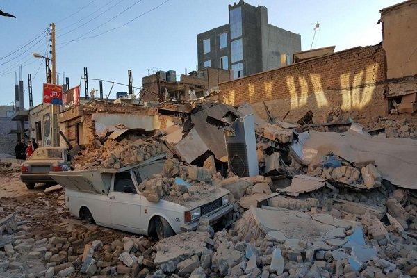 شیون شهروندان شهرستان سرپل ذهاب هنگام بیرون کشید اجساد حادثه زلزله از زیر آوار + فیلم