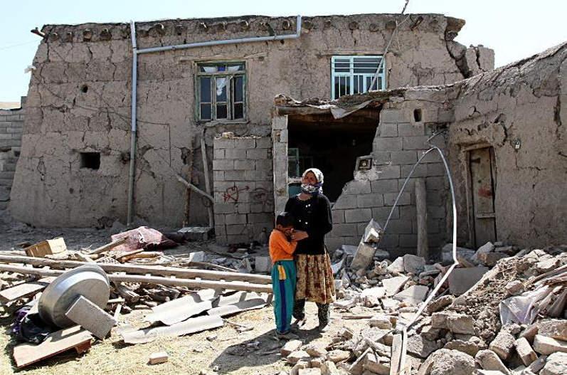 چه کنیم تا از زلزله در امان بمانیم؟ حجتالاسلام فرحزاد پاسخ میدهد