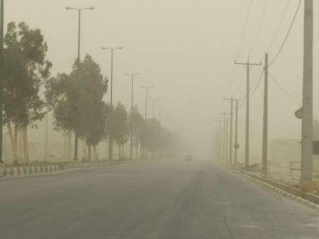 کاهش دید افقی در پی وقوع طوفان در منطقه سیستان