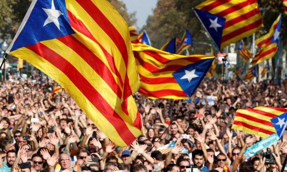 بیش از ۵۰ درصد اسپانیاییها از برگزاری انتخابات زودهنگام حمایت میکنند