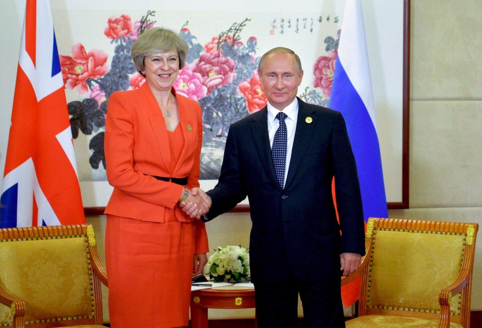ترزا می: انگلیس برای برقراری روابط مفید با روسیه تلاش میکند
