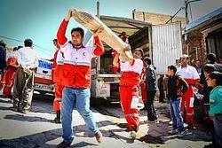 ارسال نخستین کمک های کمیته امداد همدان به مناطق زلزله زده