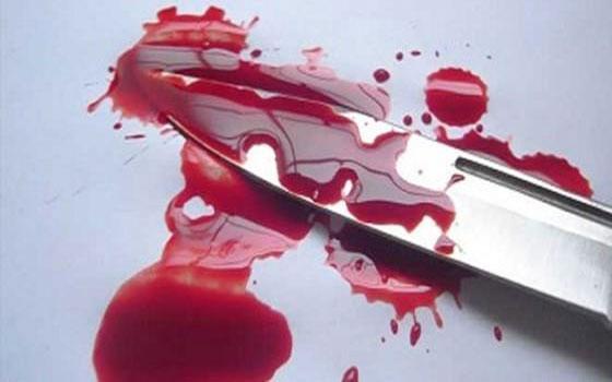 لحظه هولناک حمله شمشیر زن ها به یک داروخانه+فیلم