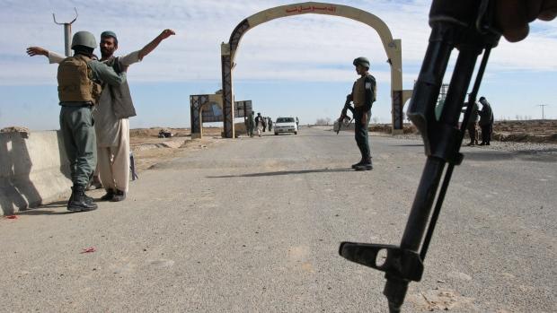 4 مهاجم انتحاری در قندهار قبل از حمله از پا درآمدند