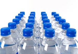 ارسال دو هزار بسته آب آشامیدنی به مناطق زلزله زده