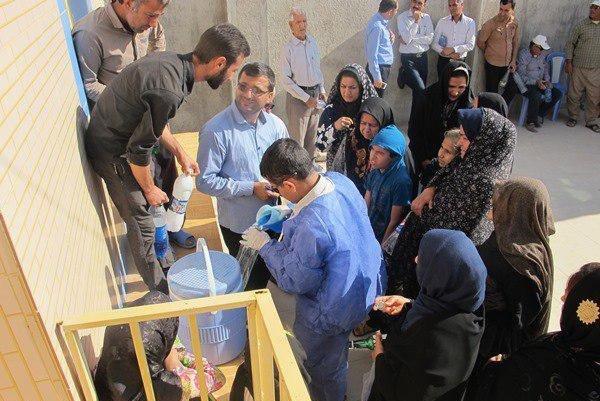 واکسیناسیون علیه بیماری نیوکاسل در روستاهای دشتستان اجرا شد