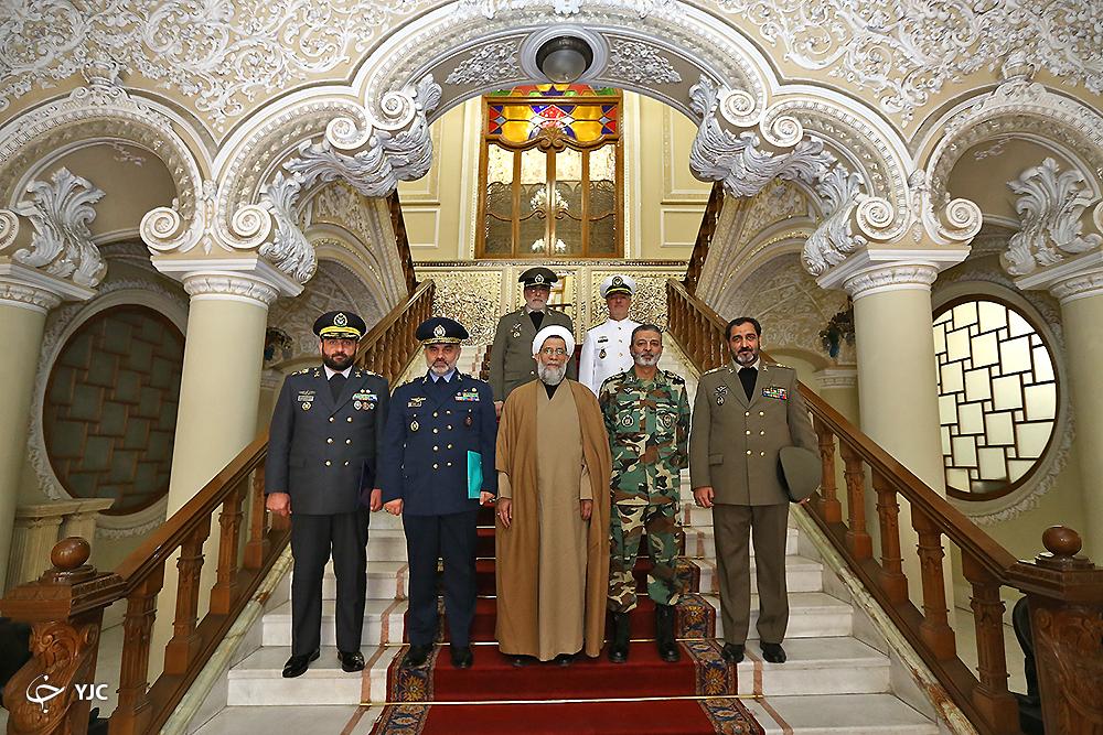 جمعی از فرماندهان ارتش با رئیس مجلس دیدار کردند+ تصاویر