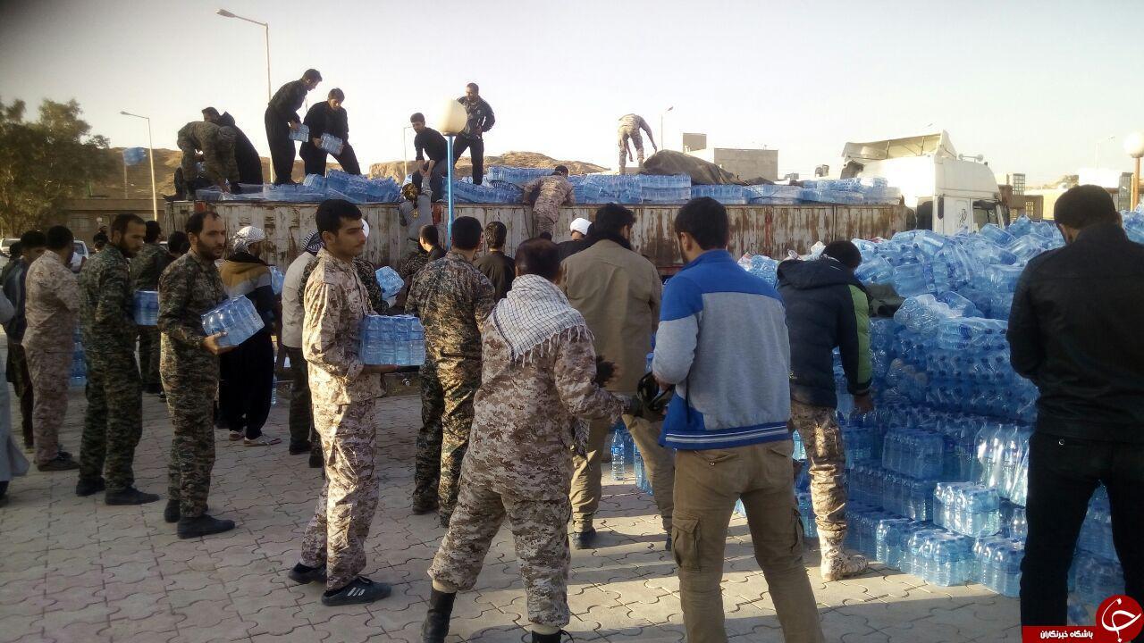 کمکهای آستان قدس رضوی به زلزلهزدگان + تصاویر