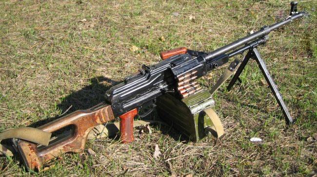ارتقاء معروفترین تیربار روسی با ابتکار ویژه ایرانی/ جزییات ساخت «آگر»؛ اولین سلاح کمری ملی +عکس