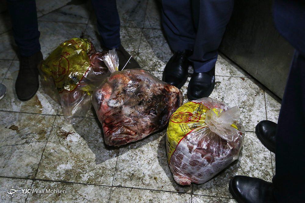 فروش دل، قلوه و جگر فاسد رنگ شده آغشته به خون حیوانی در میدان بهمن+ تصاویر