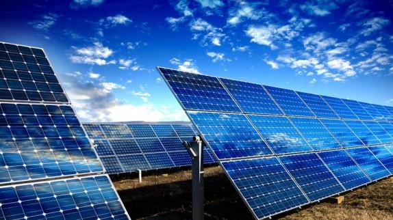 باشگاه خبرنگاران -اجازه احداث نیروگاه خورشیدی را در سرخه حصار نمیدهیم