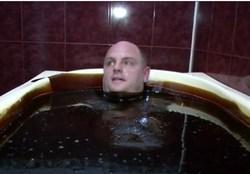حمام نفت برای ثروتمندان +تصاویر
