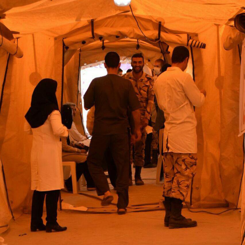 اقدامات ارتش در رسیدگی به مصدومان زلزله غرب کشور
