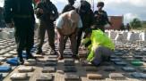 مقامات کلمبیا از کشف و توقیف بیش از دو تن کوکائین خبر دادند