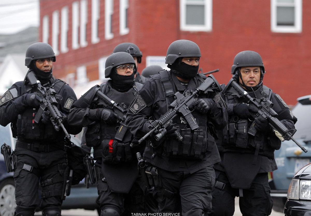 باشگاه خبرنگاران -تیراندازی در هیوستون تگزاس، مظنون با نیروهای امنیتی درگیر شده است