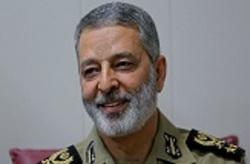 فرمانده کل ارتش بار دیگر در مناظق زلزلهزده غرب کشور حضور یافت