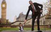 باشگاه خبرنگاران -کوتاهترین و بلندترین انسان جهان در یک قاب +تصاویر