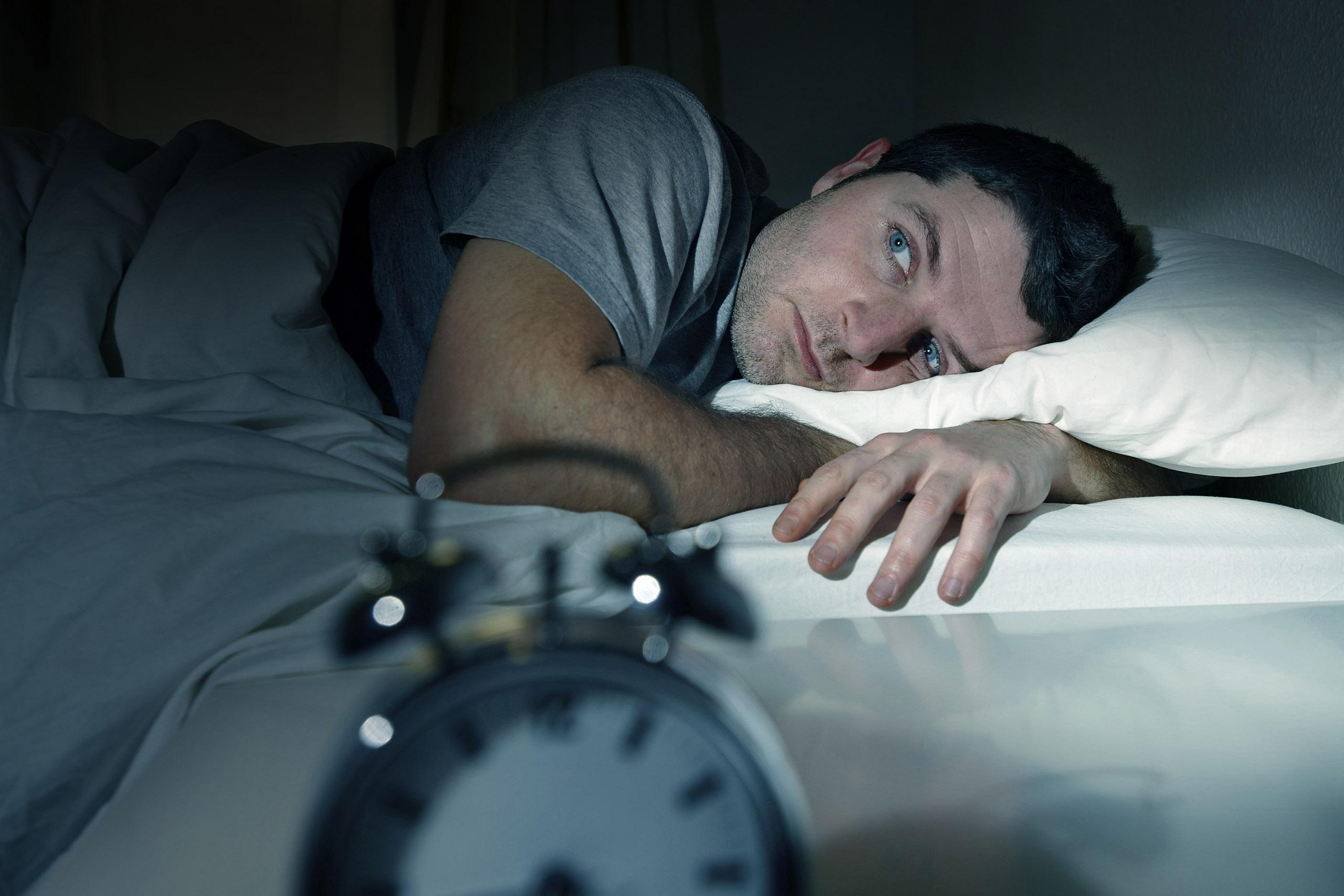 3دلیل اصلی بی خوابی چیست؟+راه حل
