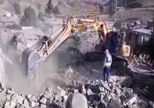 آوار برداری در روستاها توسط قرارگاه سازندگی خاتم الانبیا سپاه پاسداران +فیلم