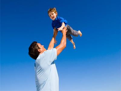 پدر یا خودپرداز خانگی ؟!/عدم توجه خانواده ها به فرزند پروری