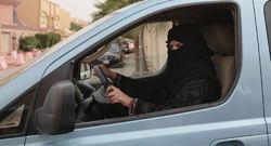 قوانین سختگیرانه رانندگی، زنان عربستانی را فراری داد