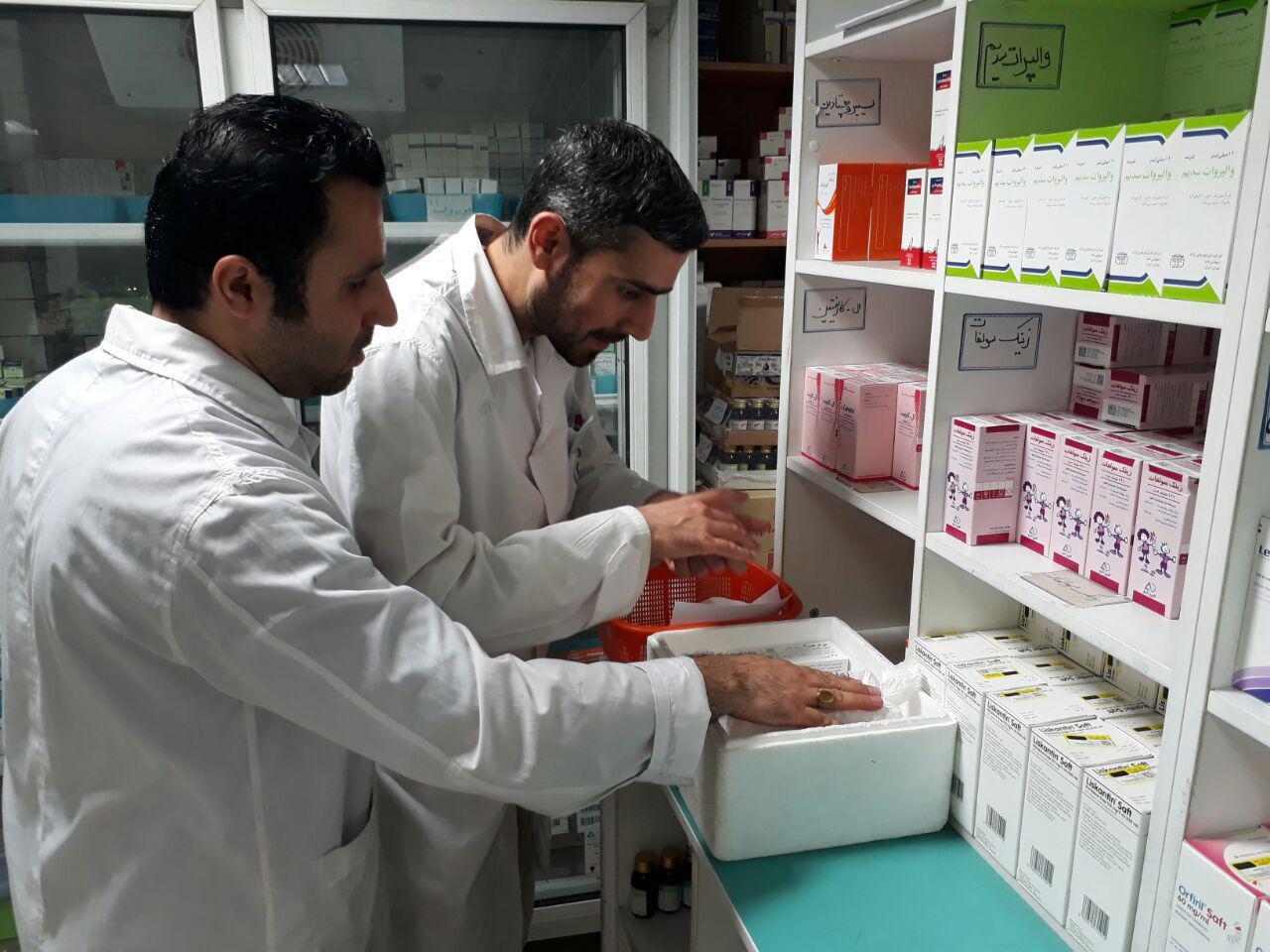 اولین محموله داروی بیماران خاص به بیمارستان صحرایی ارتش در سرپل ذهاب تحویل شد