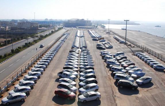 هر کس پیش فروش خودرو میکند، متقلب است/چه کسانی میخواهند خودرو یک کالای سرمایهای باشد؟