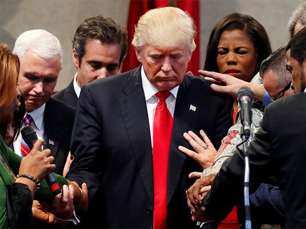 جریان انحرافی در کاخ سفید؟!+ تصاویر