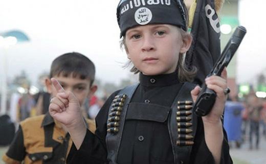 نتیجه تصویری برای داعش 10 کودکِ سرباز را کشت