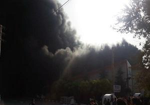 آتش سوزی مهیب کارخانه در شهرک نظرآباد + فیلم