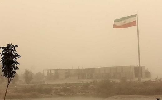 گرد و خاک مدارس آبادان را تعطیل کرد + فیلم