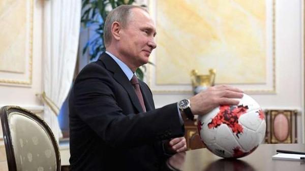 پوتین پیش از قرعهکشی جام جهانی ۲۰۱۸ با کدام ستارههای مستطیل سبز دیدار خواهد کرد؟