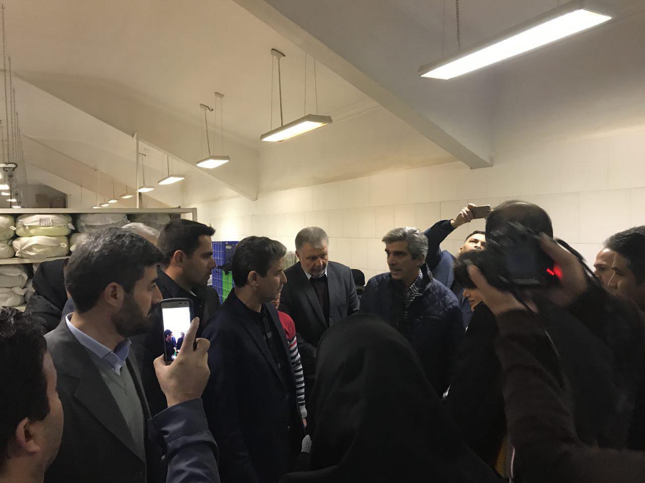 بازدید استاندار آذربایجان غربی از واحد های تولید مشکل دار ارومیه