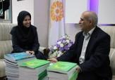باشگاه خبرنگاران -نویسنده مطرح میبدی 200 جلد کتاب اهدا کرد