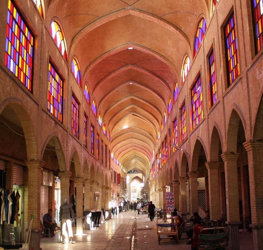 باشگاه خبرنگاران -گچبری و نقاشیهای اصلی گنبد چهارسوق بازار تهران حفظ میشوند