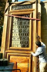 باشگاه خبرنگاران -مرمت درب اصلی مجموعه جهانی چهلستون اصفهان پایان یافت