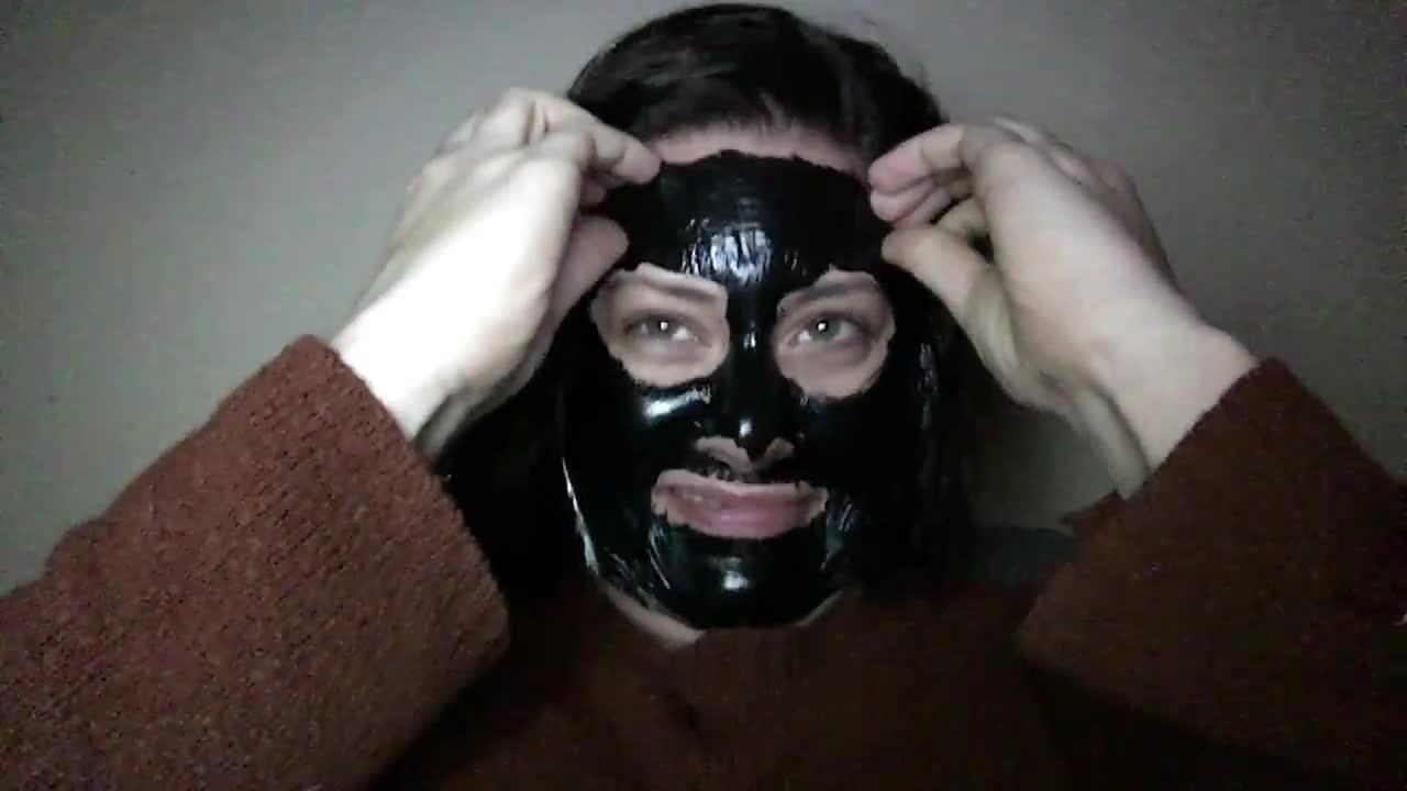 معجزه ماسک ذغال در رفع چین و چروک صورت