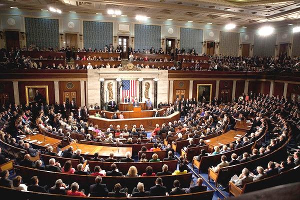 اذعان سناتور آمریکایی به فساد وسیع در طرح مالیاتی تازه این کشور
