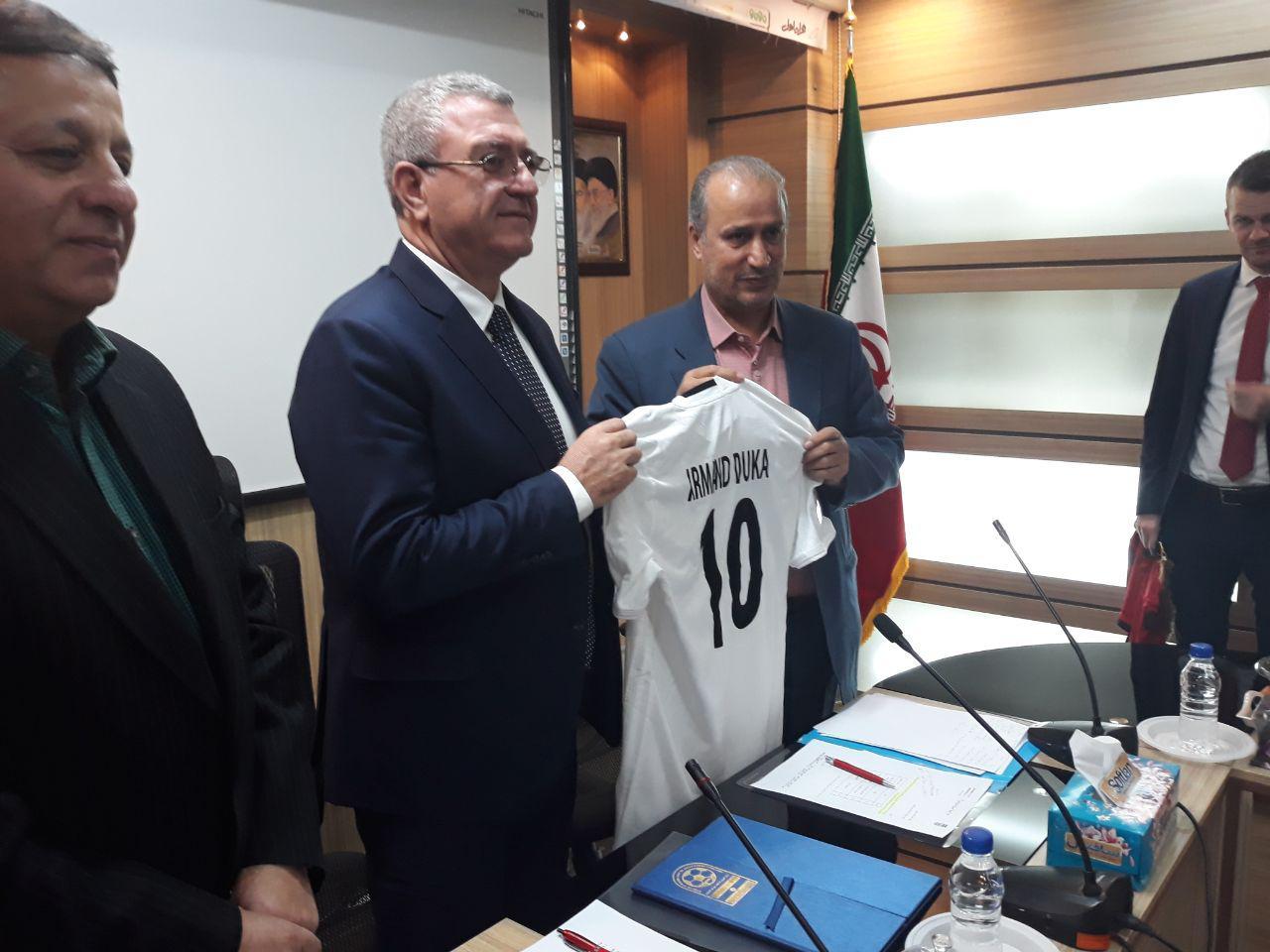 تفاهم نامه همکاری فدراسیون های فوتبال ایران و آلبانی امضا شد