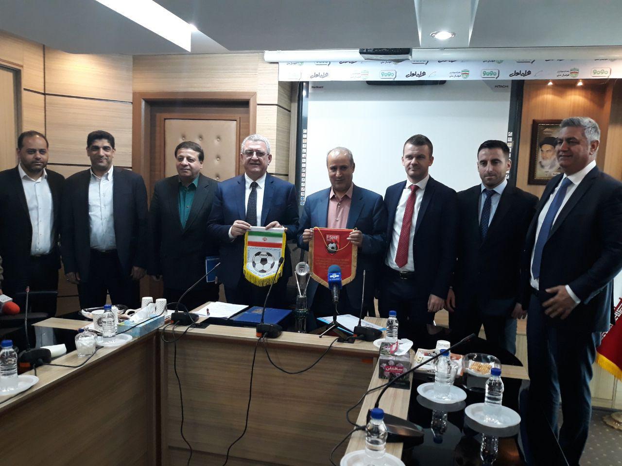 صحبت روسای فدراسیون های فوتبال ایران و آلبانی پس از امضای تفاهم نامه همکاری + تصاویر