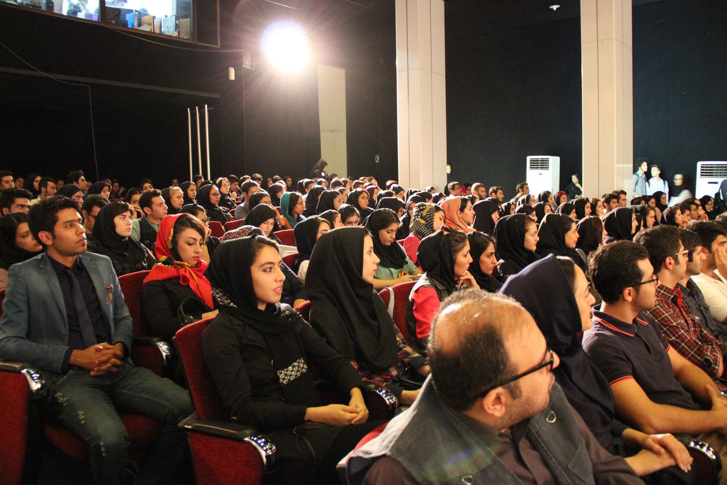 باشگاه خبرنگاران -دانشگاه آزاد ۶۰ هزار شهید تقدیم انقلاب کرده است/ خون شهدای ۱۶ آذر ۳۲ در رگ دانشجویان میجوشد